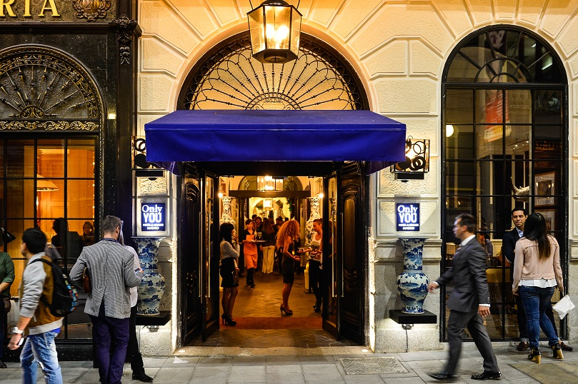Entrada al hotel ©Only You & Lounge