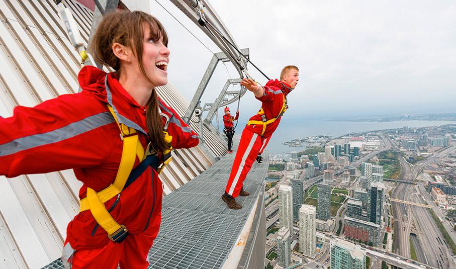 Caminar a 360 metros sobre Toronto ya está al alcance de los más valientes