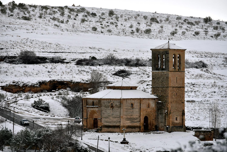 La iglesia de la Veracruz, cubierta por la nieve.©El Viajar es un Placer